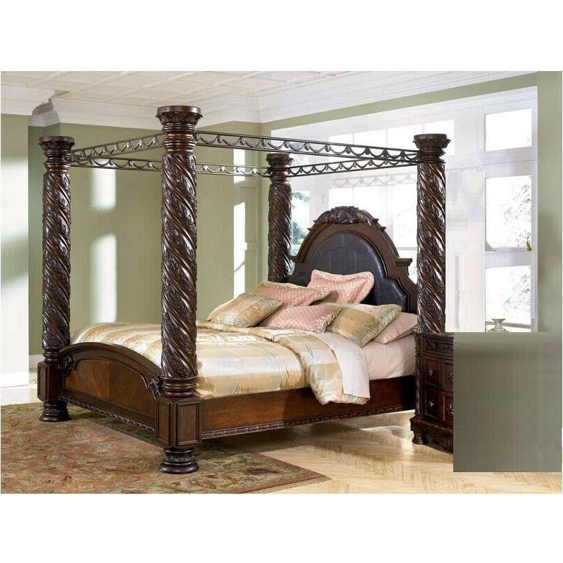 Traditional California Canopy Bedroom